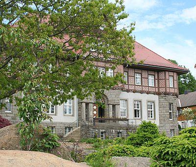 Rathaus Schierke im Frühling